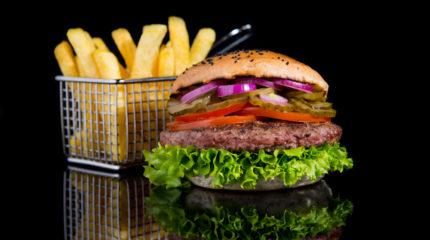 Fotografia kulinarna – zdjęcia Hamburgerów dla Farm Frites