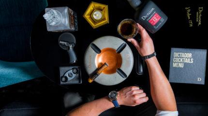 Sesja wizerunkowa rumu – aranżowane zdjęcia produktów