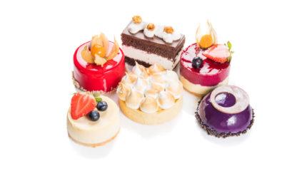 Packshoty ciast, deserów, tortów. Fotografia żywności.